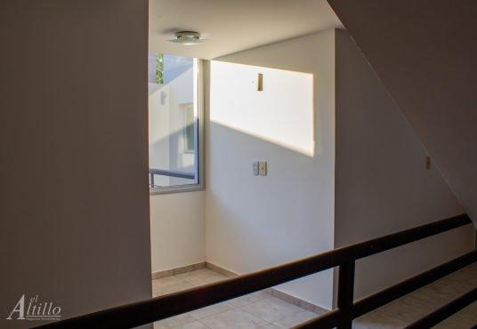 Hall 1er piso Depto 2 amb en Liniers El Altillo Inmuebles