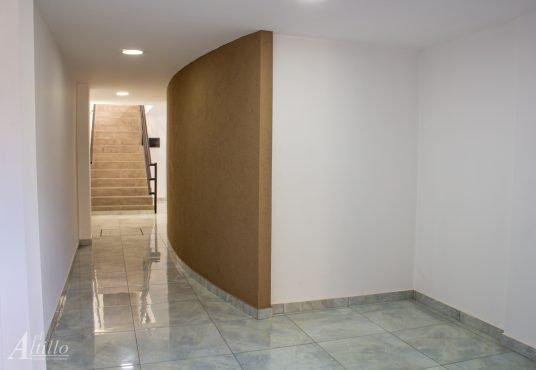Hall Depto 2 amb en Liniers El Altillo Inmuebles