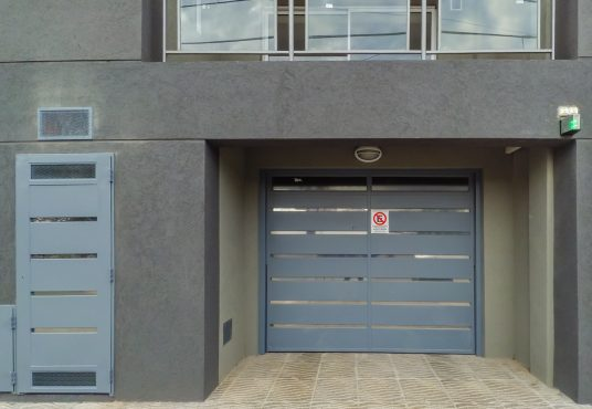 Entrada garage Depto 2 Ambientes Mataderos El Altillo Inmuebles